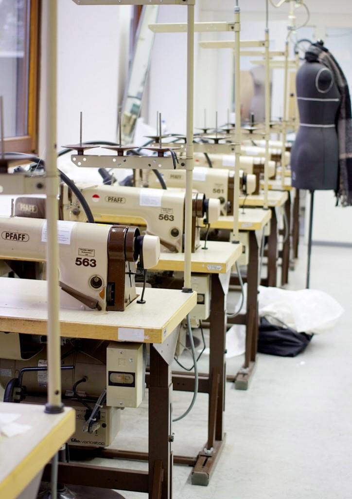 Bild Nähmaschine Modedesign