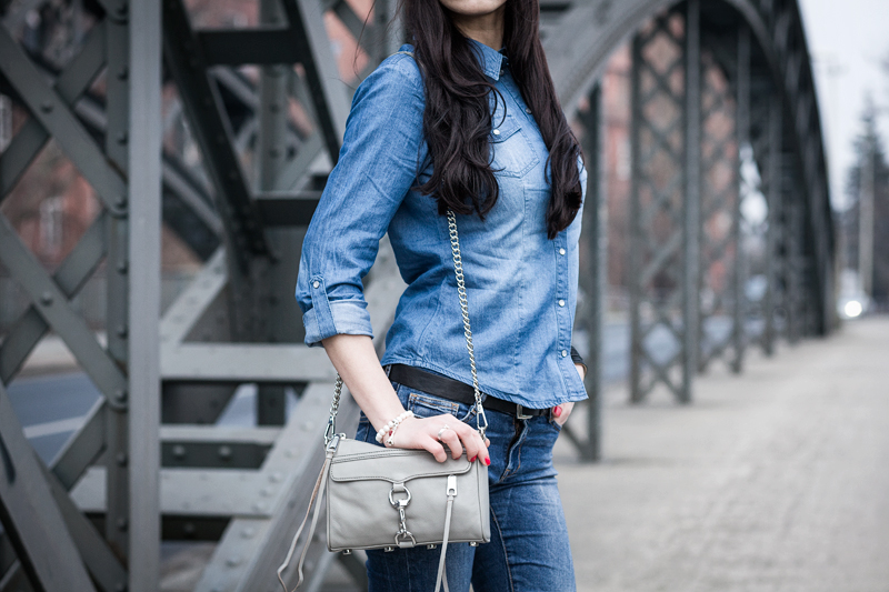 Bild: Streetstyle, Double Demin, Jeans All Over Look, Mini Mac, Blue Jeans, Perlenarmband, Charm, Sunglasses, Fashion, Fashionblogger, Hannover, Lookbook, OOTD