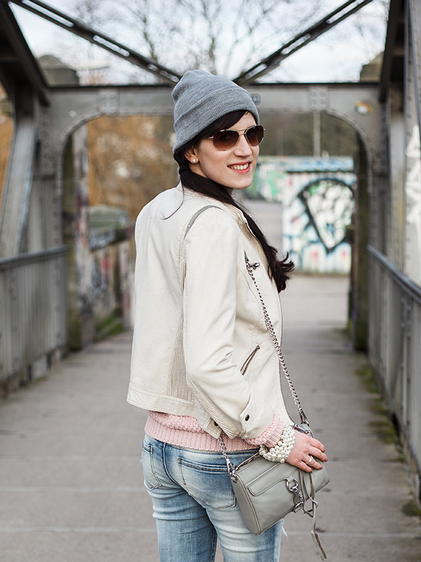 Detail Lederjacke in Beige, Mini Mac grau, Outfit, Style