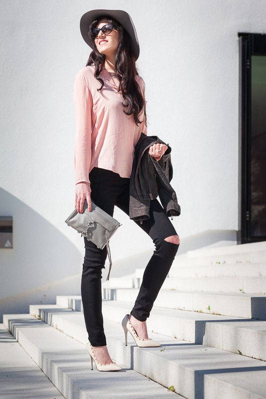 Bild Outfit, Streetstyle, Blogger, Look, Fashion, Hannover, Hut, Lederjacke, Jeans mit Rissen, Mini Mac, Style, Trend, Fashionable, Rosa, Bluse, Fashionblogger