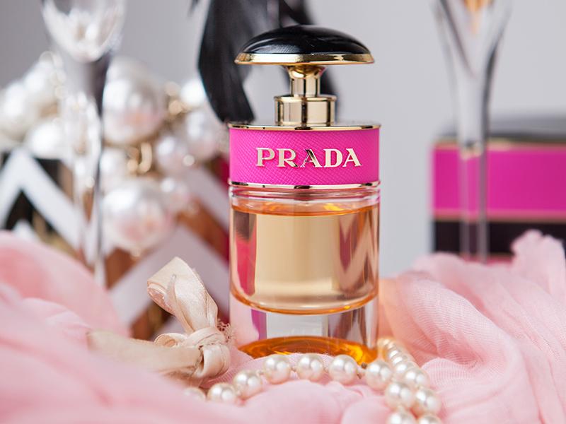 Bild Prada, Candy, Parfum, Fragrance, Parfum auftragen, Parfum riecht auf jeder Haut anders, Beauty, Beautyblogger, Fashionblogger, Beauty, Parfum auftragen, Parfum haltbarer
