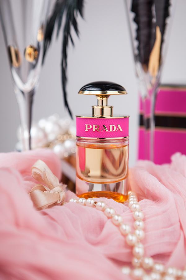 Bild Prada, Candy, Parfum, Fragrance, Duft, Beauty, Fashionblogger, Beautyblogger, Wie verwende ich Parfum, Warum riecht Parfum immer anders, Anwendung Parfum